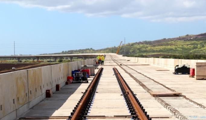 ハワイの電車工事風景