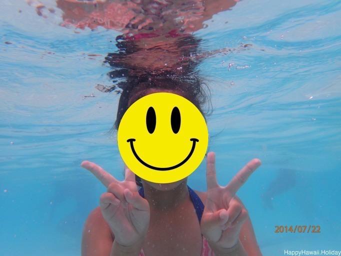 プールでの水中写真