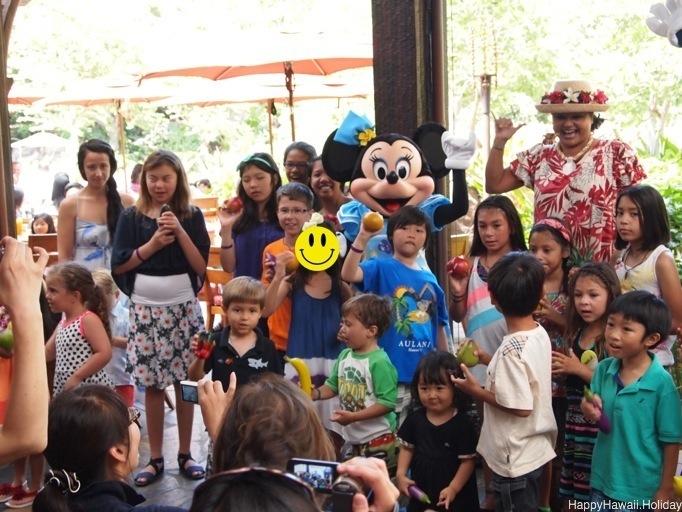 アウラニのキャラクターブレックファーストで、子供向けのイベント