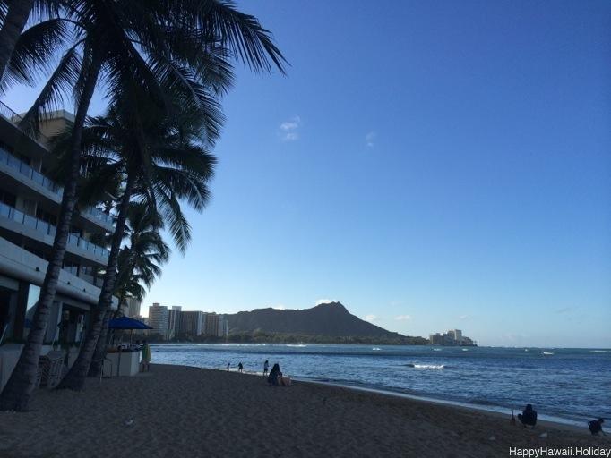 早朝のビーチ