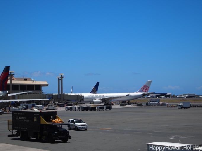 ホノルル空港のチャイナエアラインの飛行機