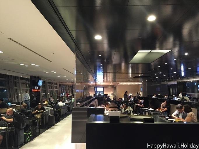 羽田空港国際線のANAラウンジ