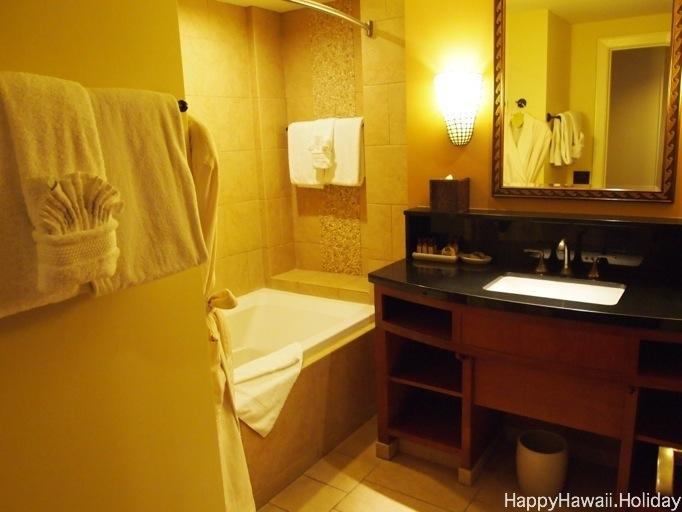 アウラニのプールサイドガーデンビューの部屋の写真8