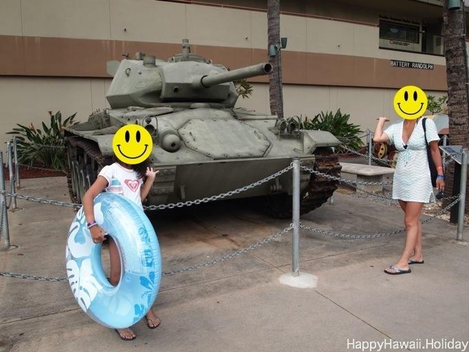 フォートデルッシー陸軍博物館の前で